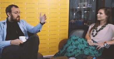 Čarlzs Hoskins intervija
